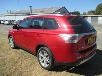 2014 MY14.5 Mitsubishi Outlander ZJ ES Sedan