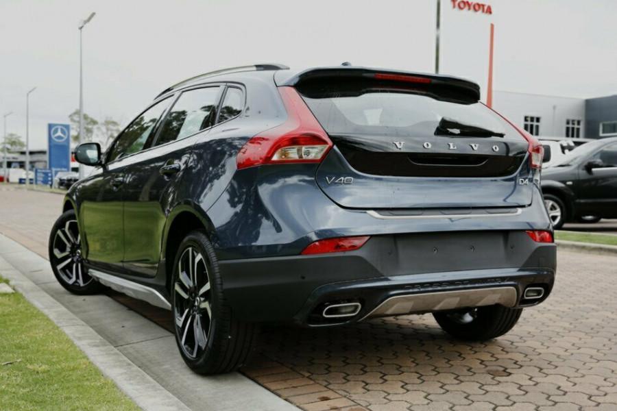 2016 MY17 Volvo V40 Cross Country M Series D4 Inscription Hatchback
