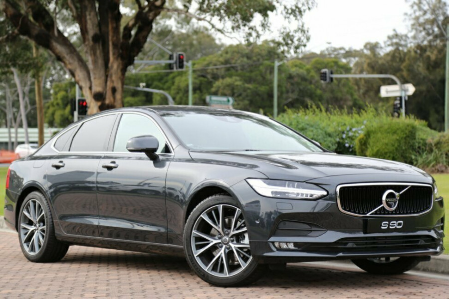 2016 MY17 Volvo S90 T5 Momentum Sedan