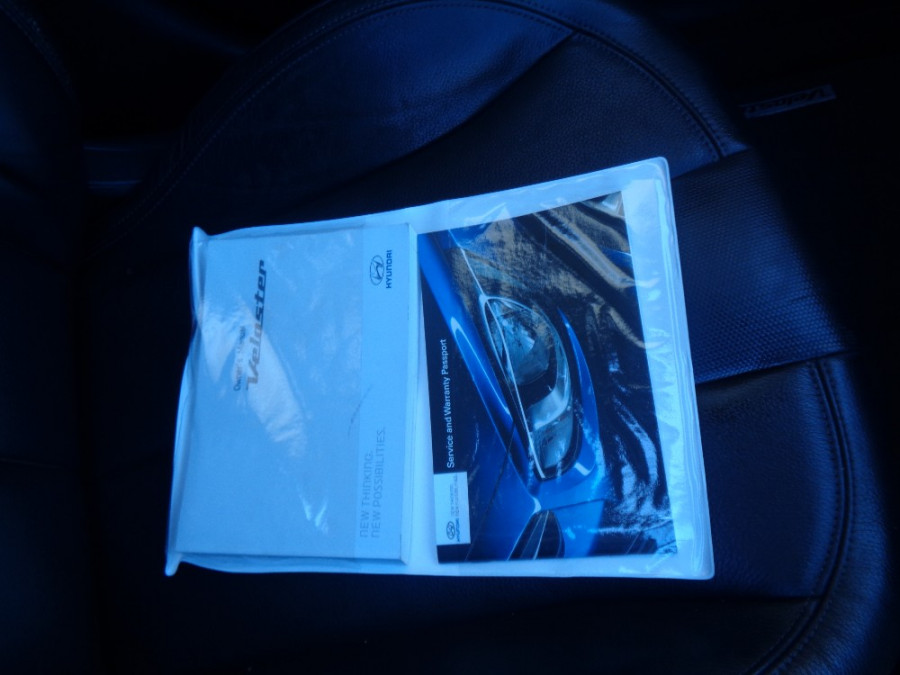 2012 Hyundai Veloster FS + Hatchback