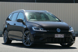Volkswagen Golf Wagon Wolfsburg Edition 7.5