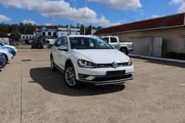 Volkswagen Golf Alltrack 132TSI VII