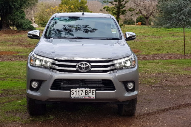 2017 MY Toyota HiLux GUN Series SR5 4x4 Double-Cab Pick-Up Utility