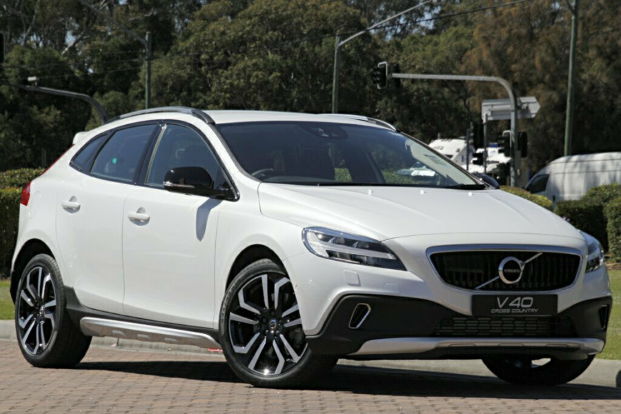 2016 MY17 Volvo V40 Cross Country M Series T5 Luxury Hatchback