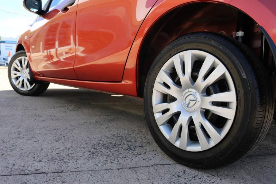 2010 Mazda Mazda2 DE NEO Hatchback