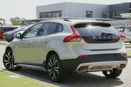 2016 MY17 Volvo V40 Cross Country M Series T5 Inscription Hatchback