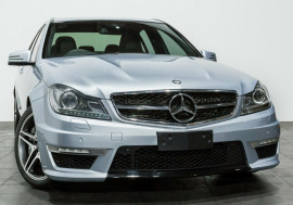 Mercedes-Benz C63 AMG SPEEDSHIFT MCT W204 MY12