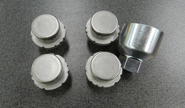 "<img src=""Alloy wheel lock nut set"