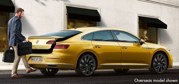 Arteon Spacious boot with easy-open and easy-close functions.