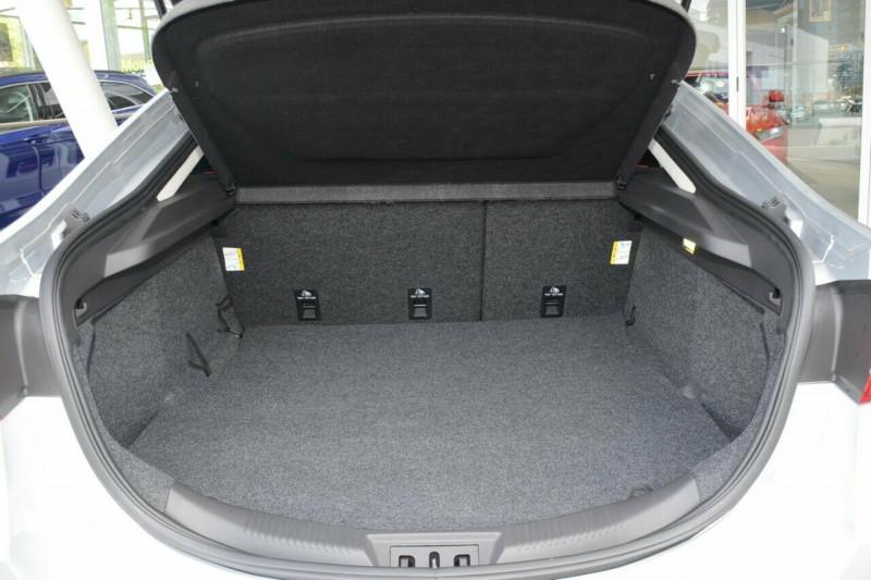 2016 MY Ford Mondeo MD Trend Hatch Hatchback