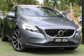 Volvo V40 T3 Momentum M Series