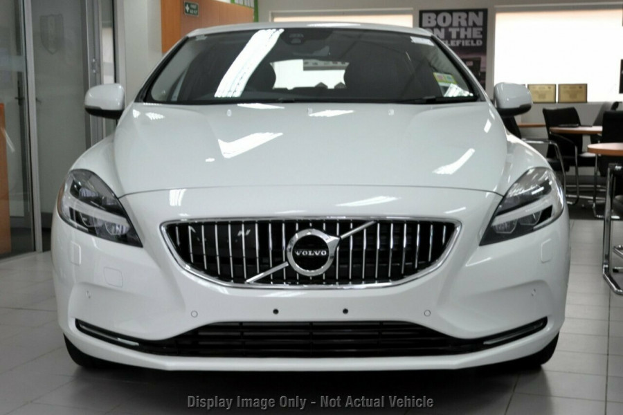 2017 MY18 Volvo V40 M Series D4 Adap Geartronic Inscription Hatchback
