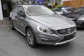 Volvo V60 Cross Country D4 LUXURY (No Series) MY17