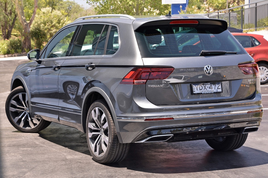7935 moreover Touran Nf furthermore  furthermore Volkswagen Tiguan 2016 Fiches Techniques Configurateur Et Prix 7096384 8796920 Photos further Vw Passat B6 2005 Fuses Overview. on vw touran specifications