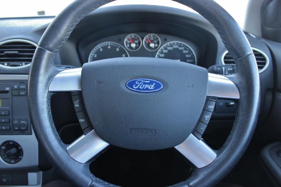 2006 Ford Focus LS CL Sedan