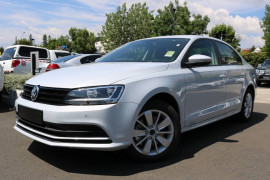 Volkswagen Jetta 118TSI Trendline 1KM MY17