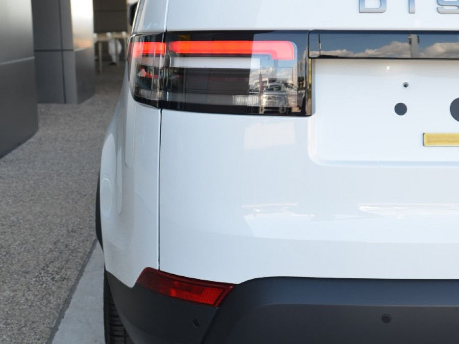 2017 Land Rover Discovery SE TD4 Wagon