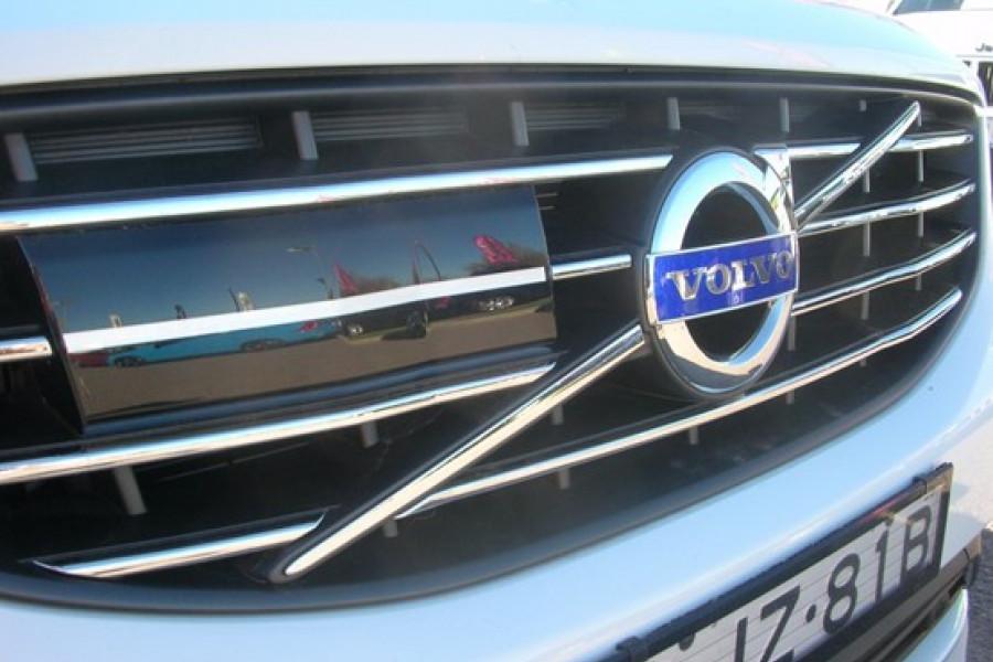 2016 Volvo XC60 T5 - Luxury Wagon