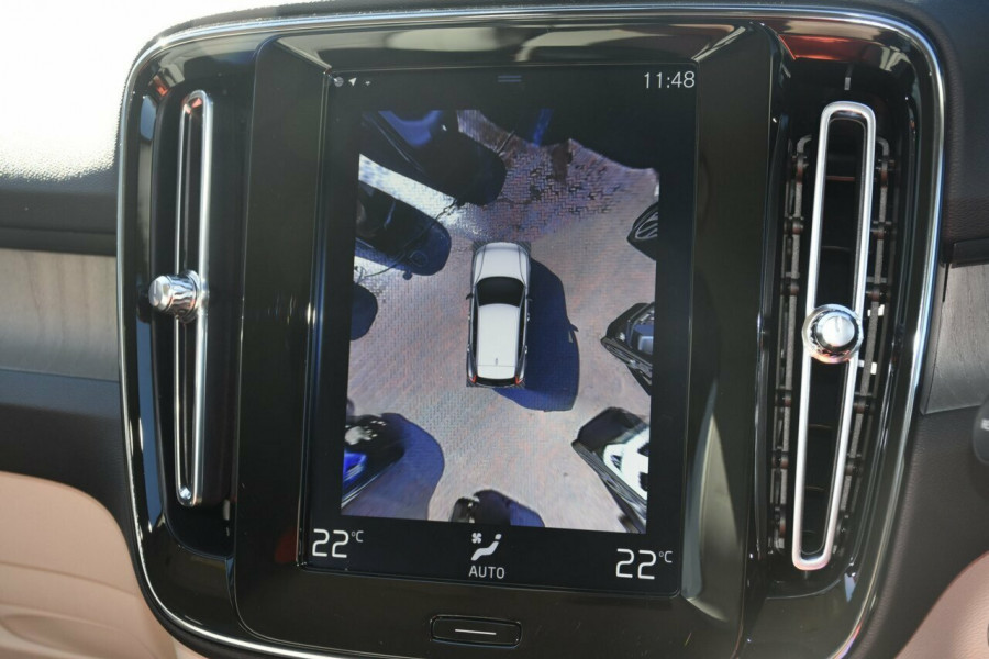 2019 Volvo XC40 T4 Inscription Suv Mobile Image 12