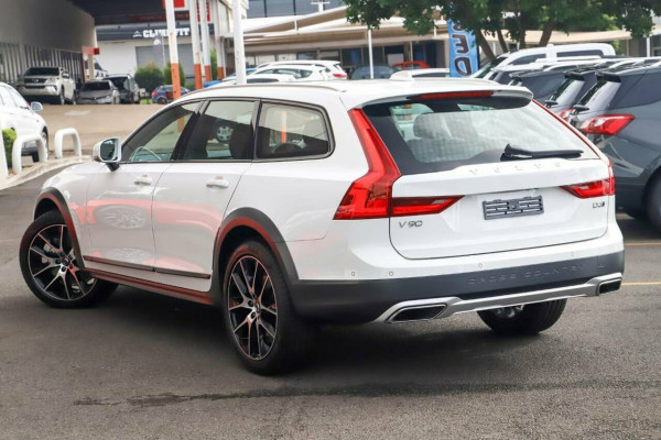 2019 MY20 Volvo V90 Cross Country P Series D5 Wagon Image 4