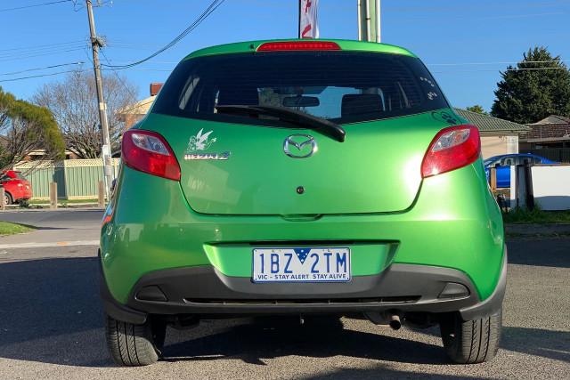 2010 Mazda 2 Neo 15 of 22