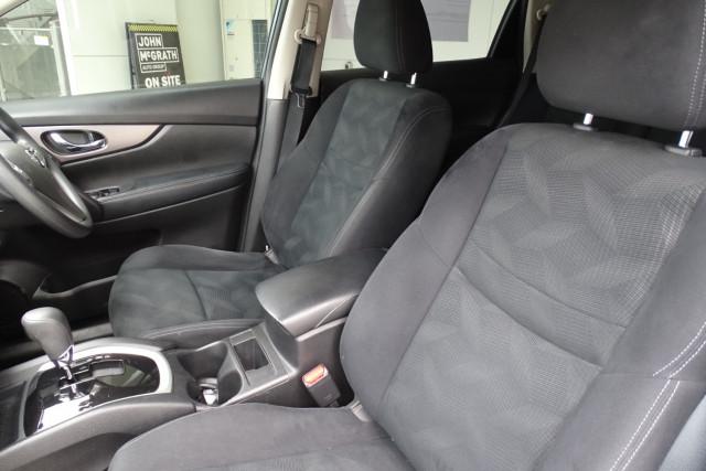 2015 Nissan X-Trail ST 2WD 7 of 25