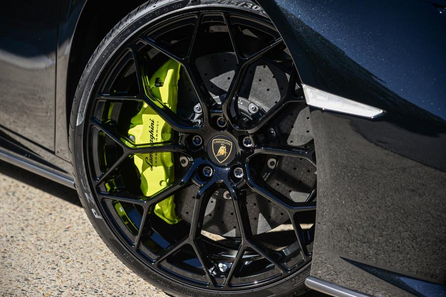 2020 Lamborghini Huracan AWD