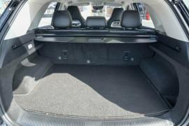 2020 MY21 MG HS SAS23 Essence X Wagon image 3