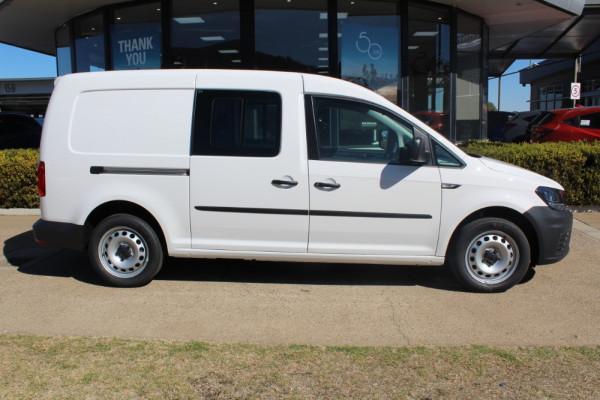 2019 Volkswagen Caddy Van 2KN Maxi Crewvan Van - dual cab Image 4