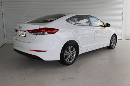 2017 MY18 Hyundai Elantra AD Active Sedan Image 2