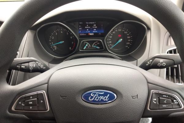 2017 Ford Focus LZ TREND Hatchback Mobile Image 13