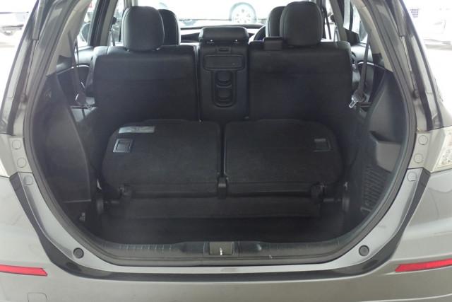 2011 Honda Odyssey Luxury 16 of 30