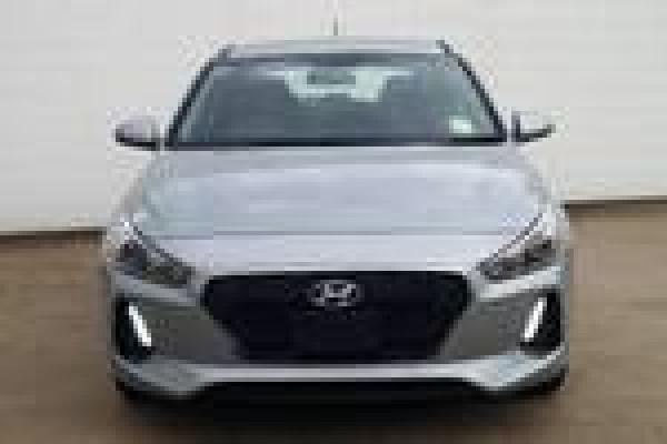 2019 MY18 Hyundai i30 PD Go Hatchback Image 3