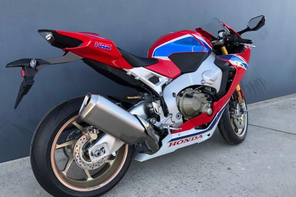 2017 MY18 Honda CBR1000RR SP2 Fireblade Motorcycle Image 3
