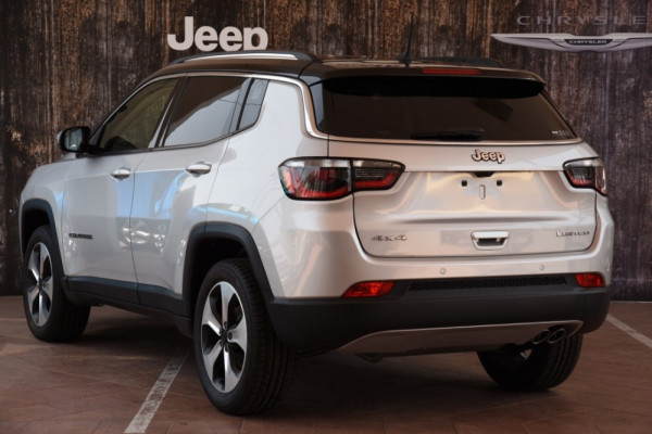 2018 Jeep Compass M6 Limited Suv Image 3