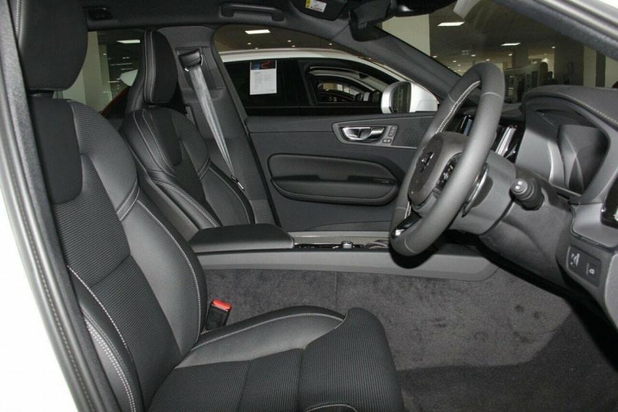 2018 Volvo XC60 UZ D5 R-Design Suv Mobile Image 8