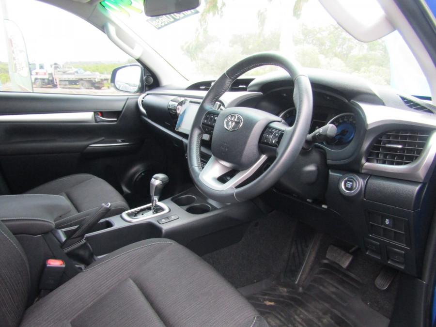 2017 Toyota HiLux GUN126R SR5 Utility Image 9