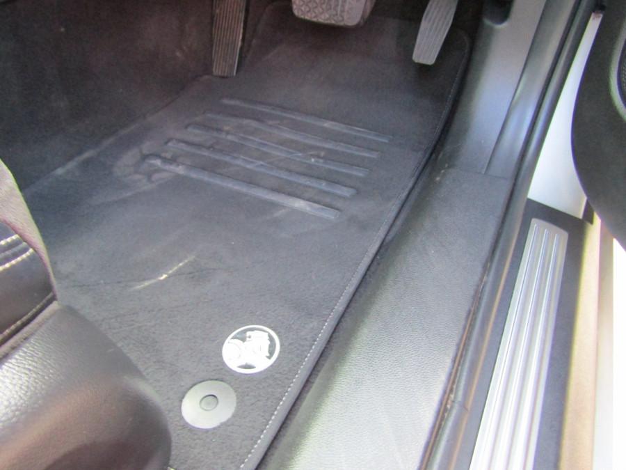 2014 Holden Commodore VF MY14 SV6 Wagon Image 21