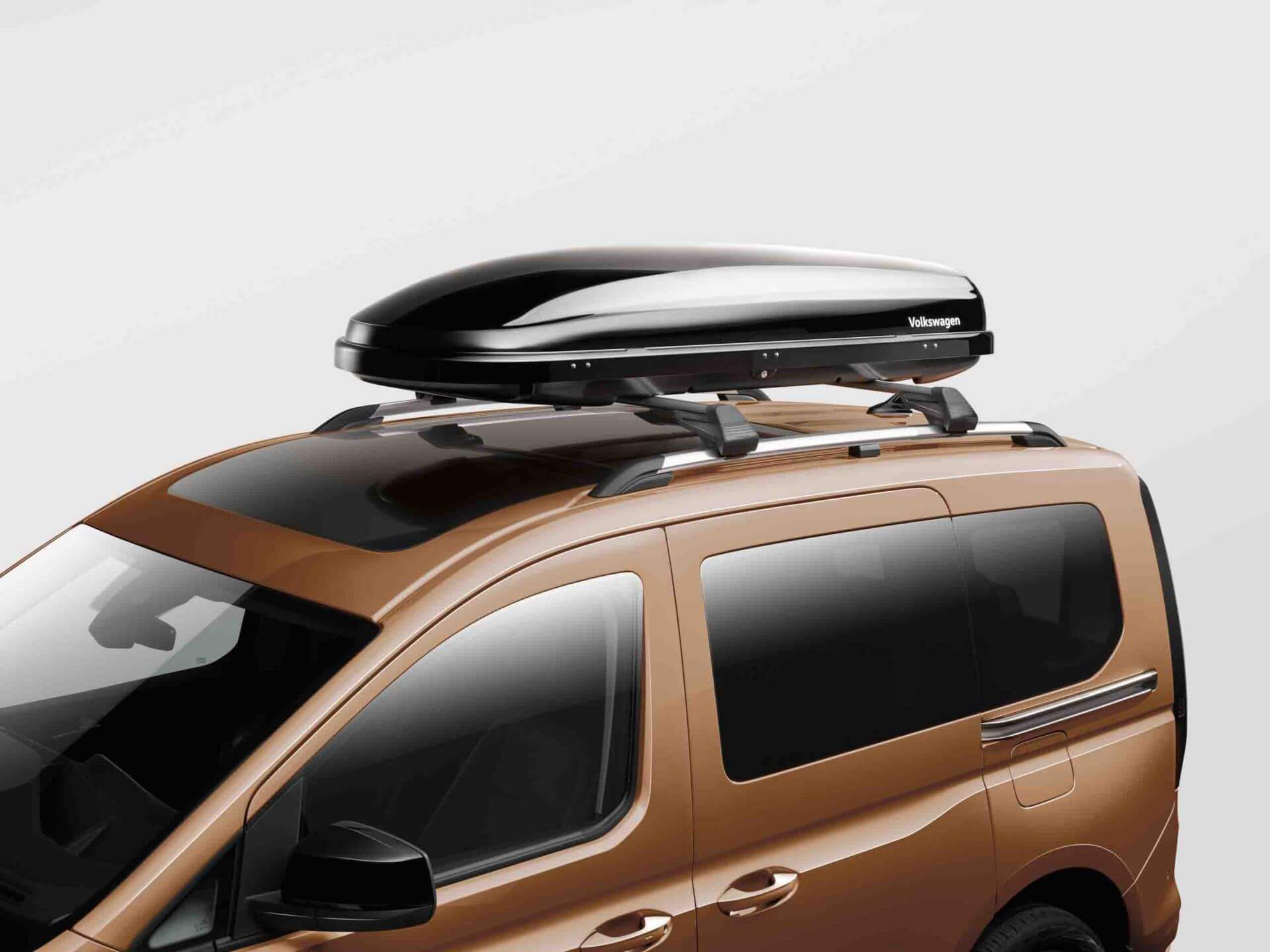 Roof box (340L and 460L capacities)