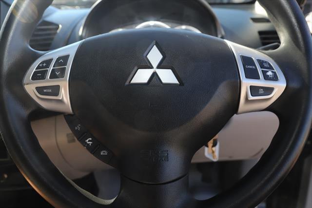 2015 Mitsubishi Triton MN MY15 GLX Utility Image 14