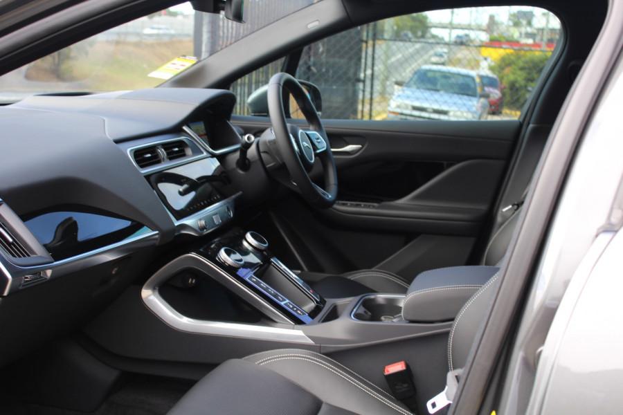 2009 MY20 Jaguar I-PACE X590 SE Hatchback Image 6