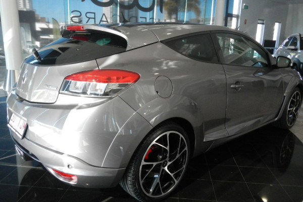 2013 Renault Megane III D95 R.S. 265 Coupe Image 3
