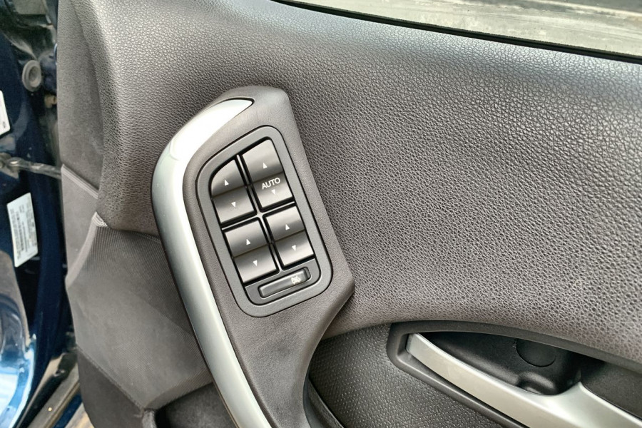 2005 Ford Fairmont BF Ghia Sedan