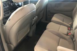 2018 MY19 Kia Carnival YP S Wagon Image 5