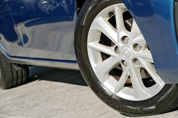 2013 Toyota Corolla ZRE182R Ascent Sport Hatchback image 20
