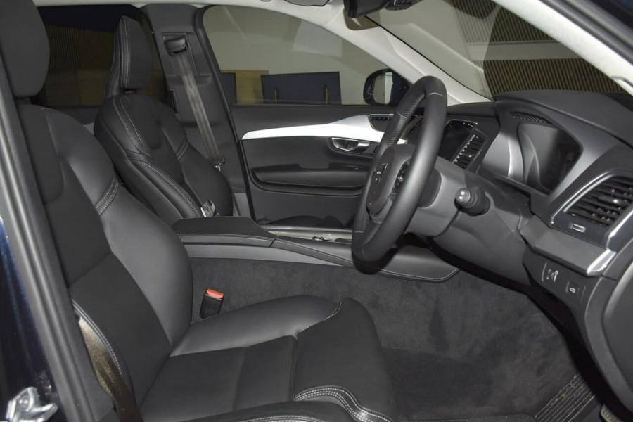 2019 Volvo XC90 (No Series) MY19 D5 Momentum Suv Mobile Image 9