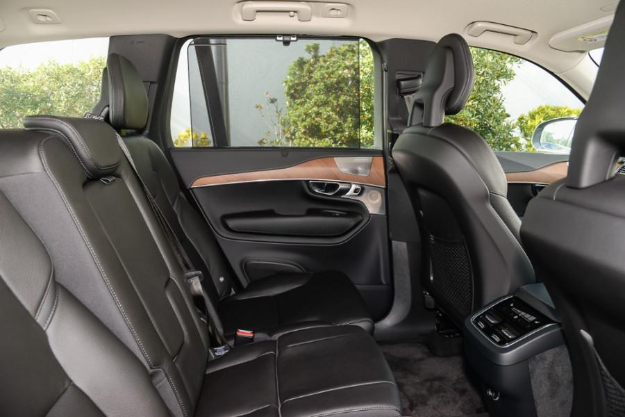 2018 Volvo XC90 L Series D5 Inscription Suv Image 9