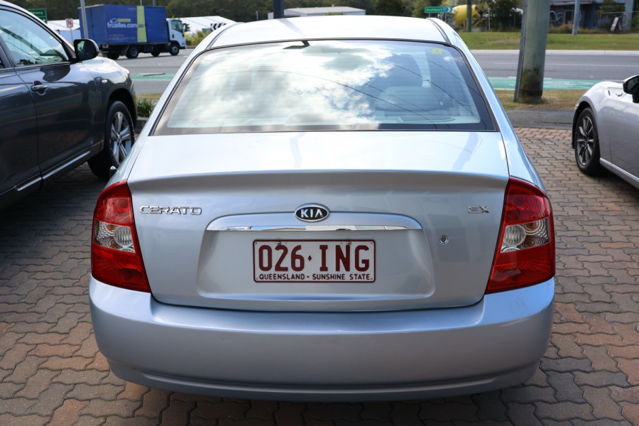 2005 MY04 Kia Cerato LD MY04 Sedan Image 4
