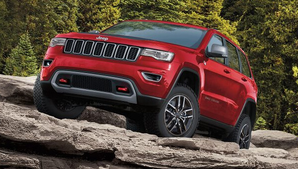 Grand Cherokee Tackle Nearly Any Terrain On-Road Or Off-Road