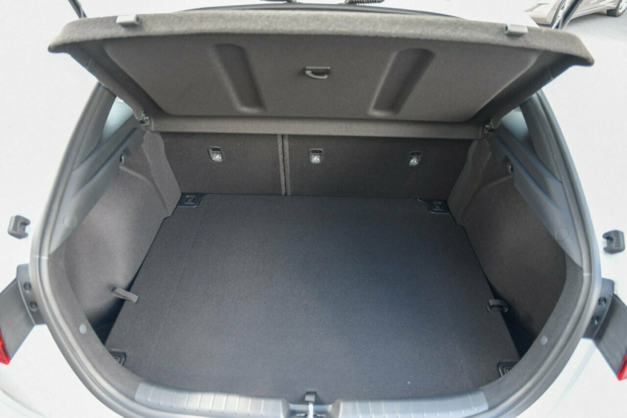 2021 MY22 Kia Cerato BD MY22 GT DCT Hatchback Image 16